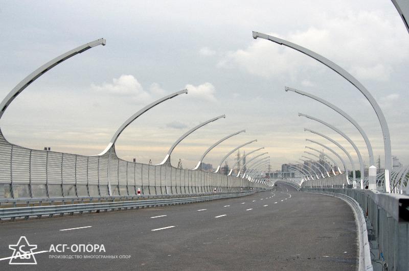 Опоры освещения автомагистрали